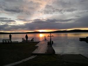 Imagen del lago del camping