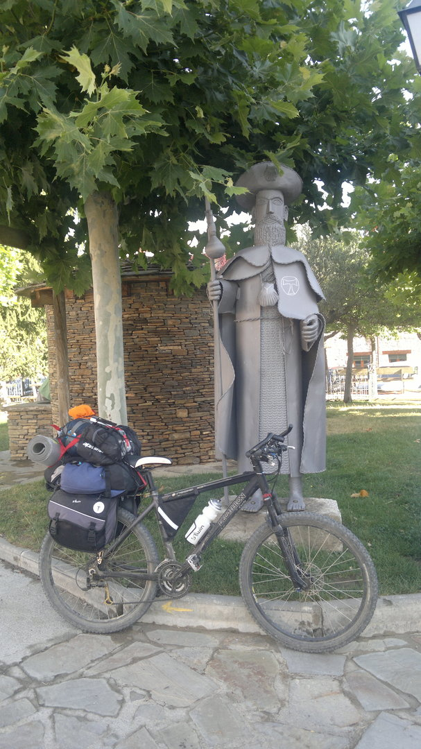 Monumento al apóstol en Santa Cilia
