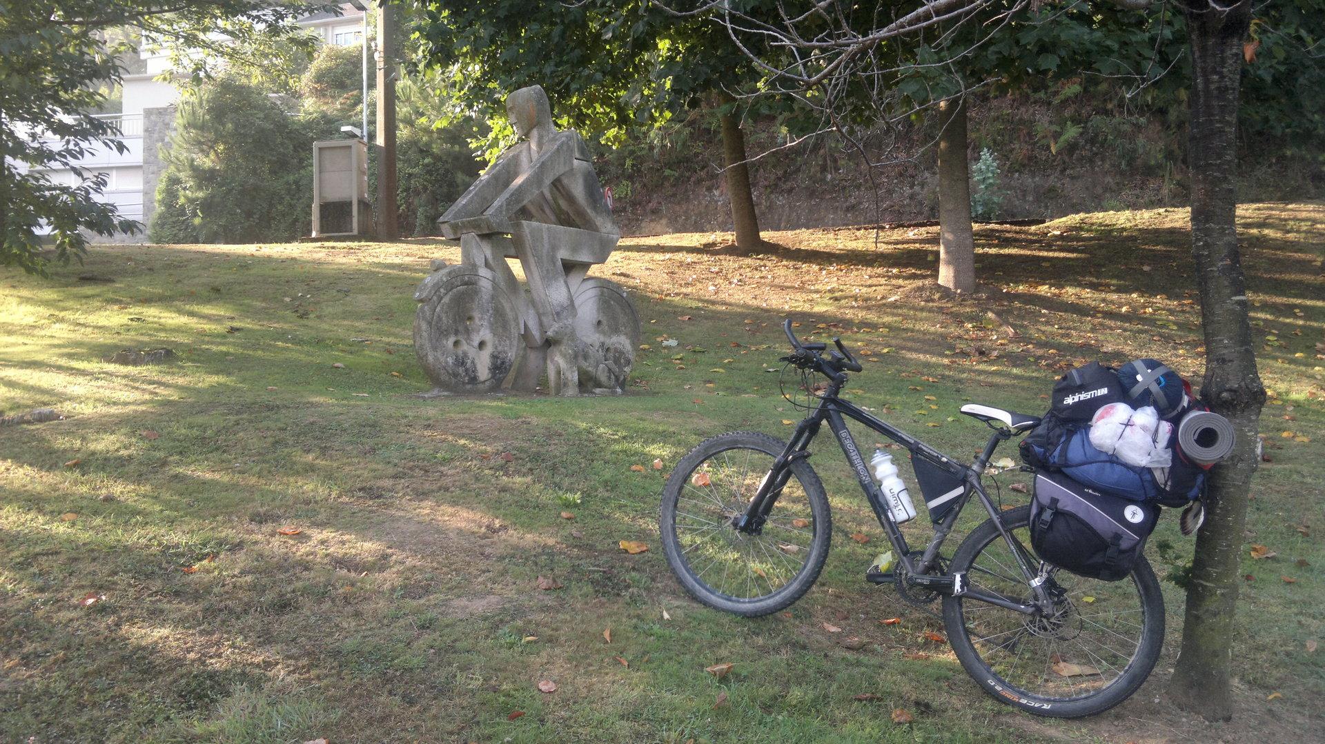 La Cosa en bicicleta