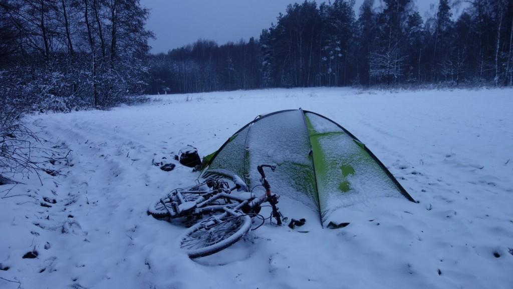 cicloturismo-acampar-invierno