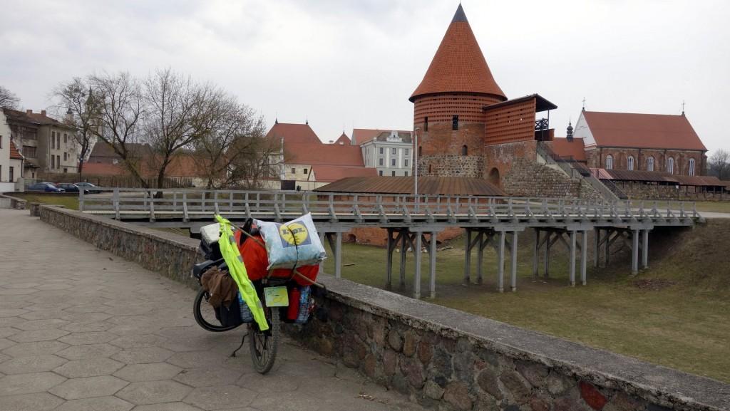 cicloturismo-kaunas-castillo