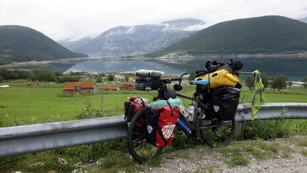 cicloturismo-fiordos