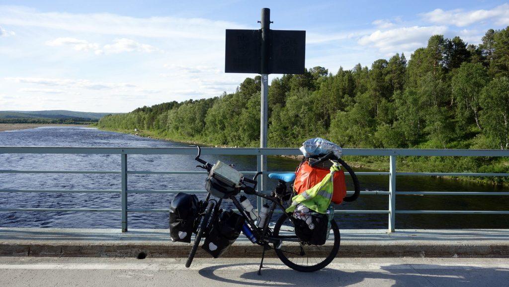 cicloturismo-frontera-noruega