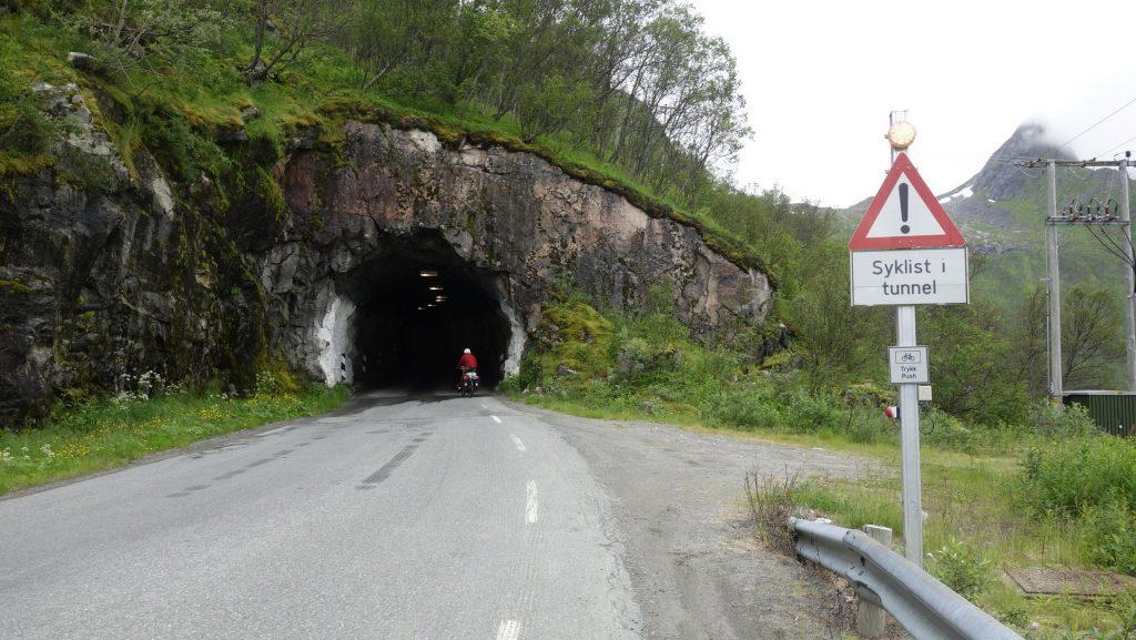 cicloturismo-luces-tunel