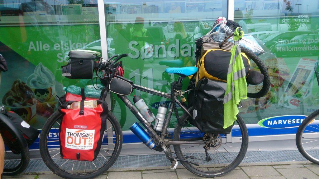 cicloturismo-maletas-tromsooutdoor