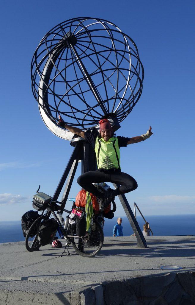 cicloturismo-nordkapp-globe