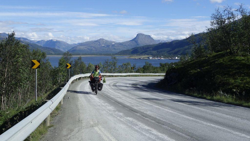 cicloturismo-subidas-carretera