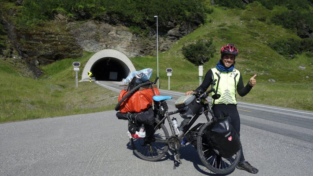 cicloturismo-tunel-nordkapp