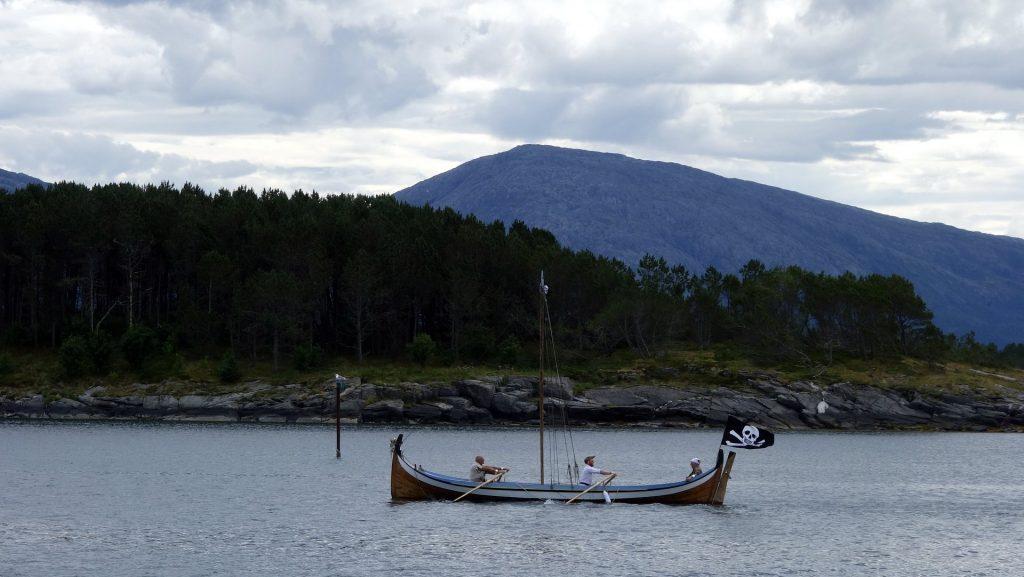 cicloturismo-barco-vikingo