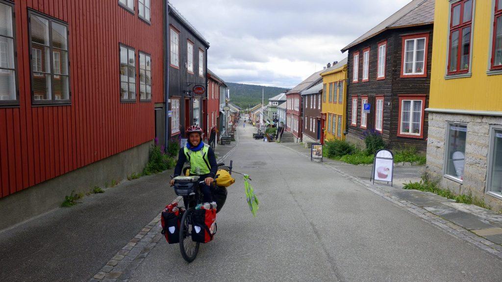 cicloturismo-roros-calles