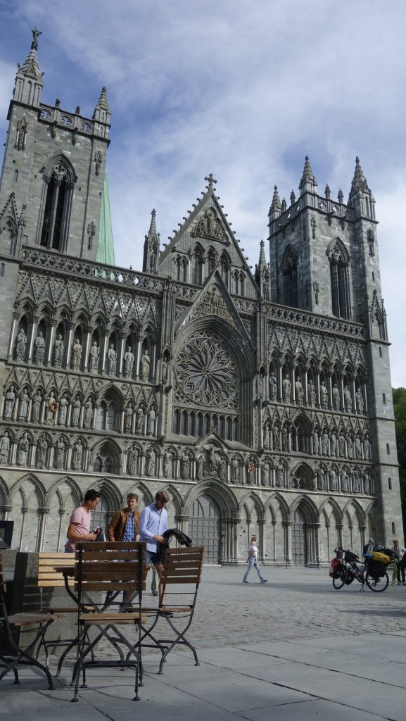 cicloturismo-trondheim-catedral